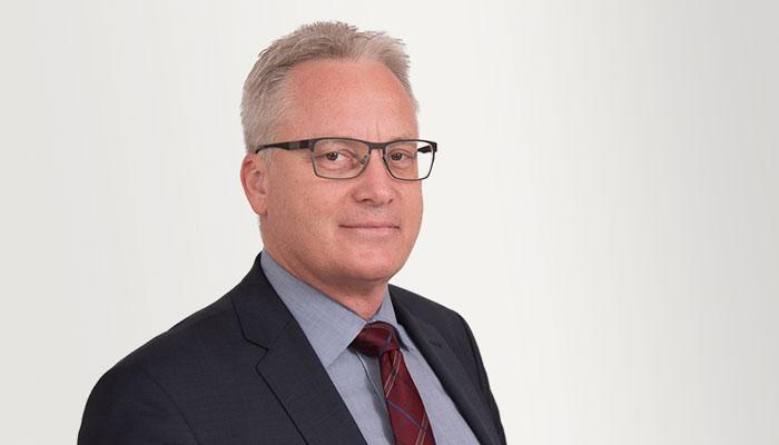 Herr Dr. Mathias Grandel